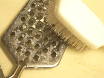 clean cheese grater
